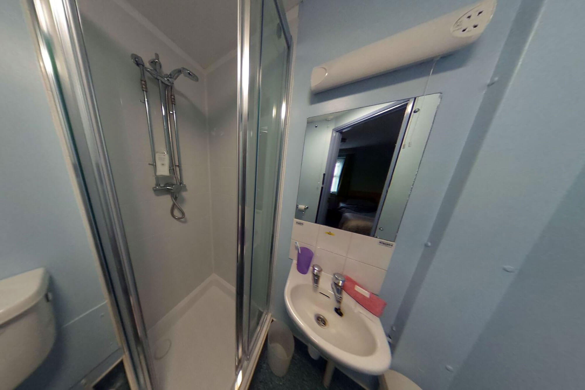 Princess Alice Court ensuite