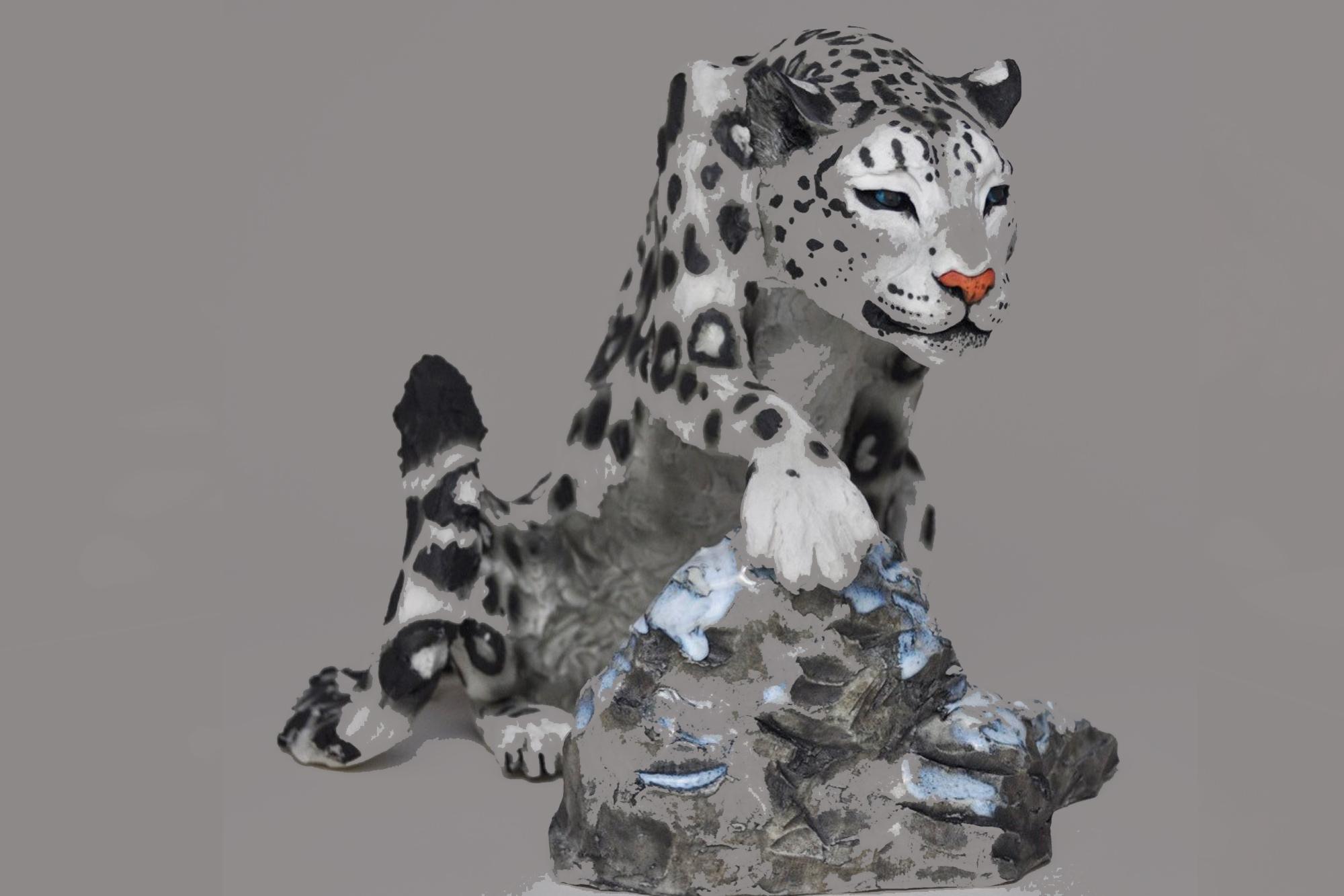 A ceramic grey tiger