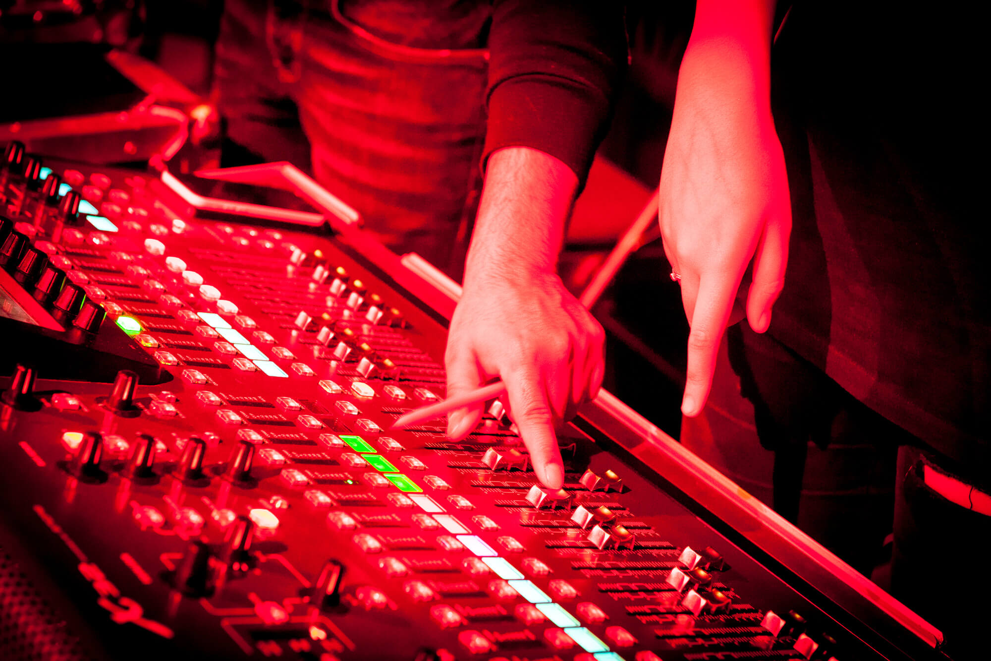 A close up photograph of some music production equipment