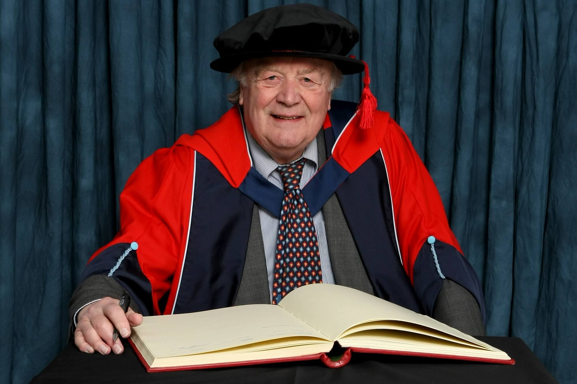 Kenneth Clarke MP receiving his honorary degree (HonDUniv)