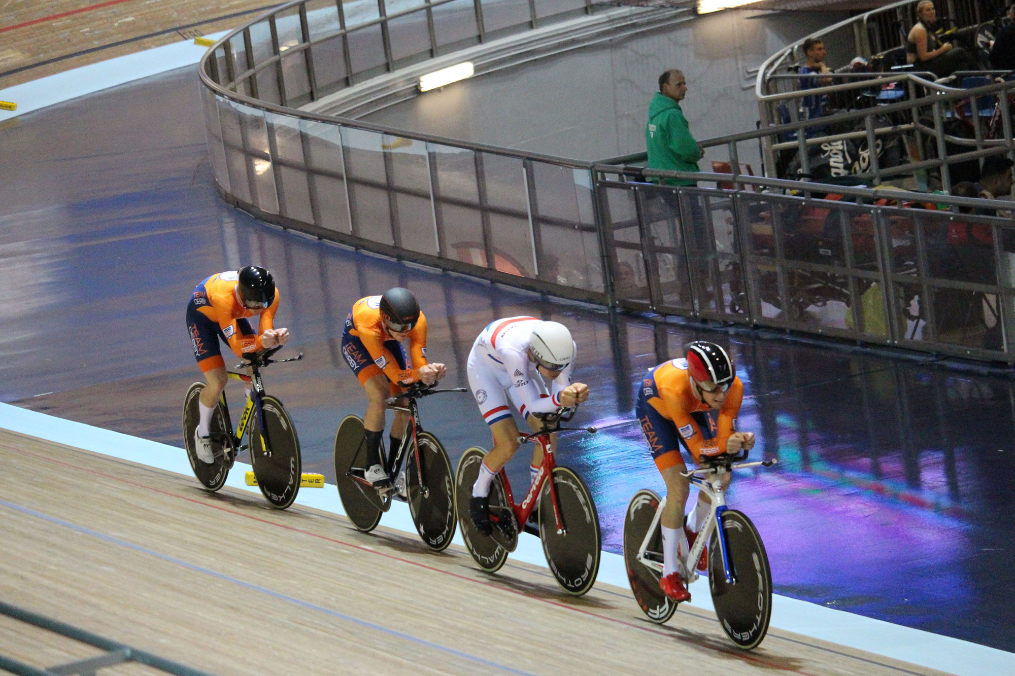 Men's Cycling team racing at Derby Velodrome