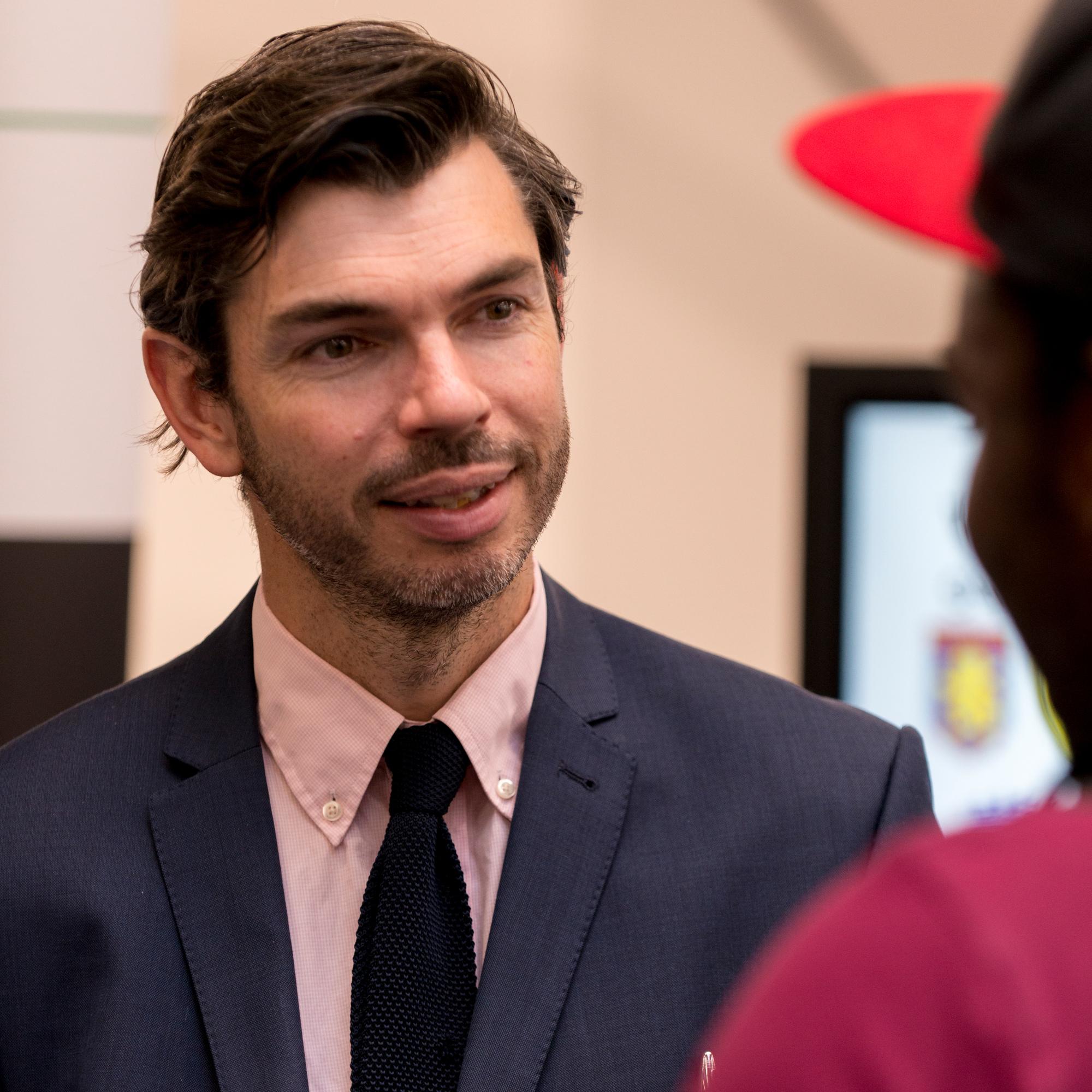 Dr Stuart Mourton