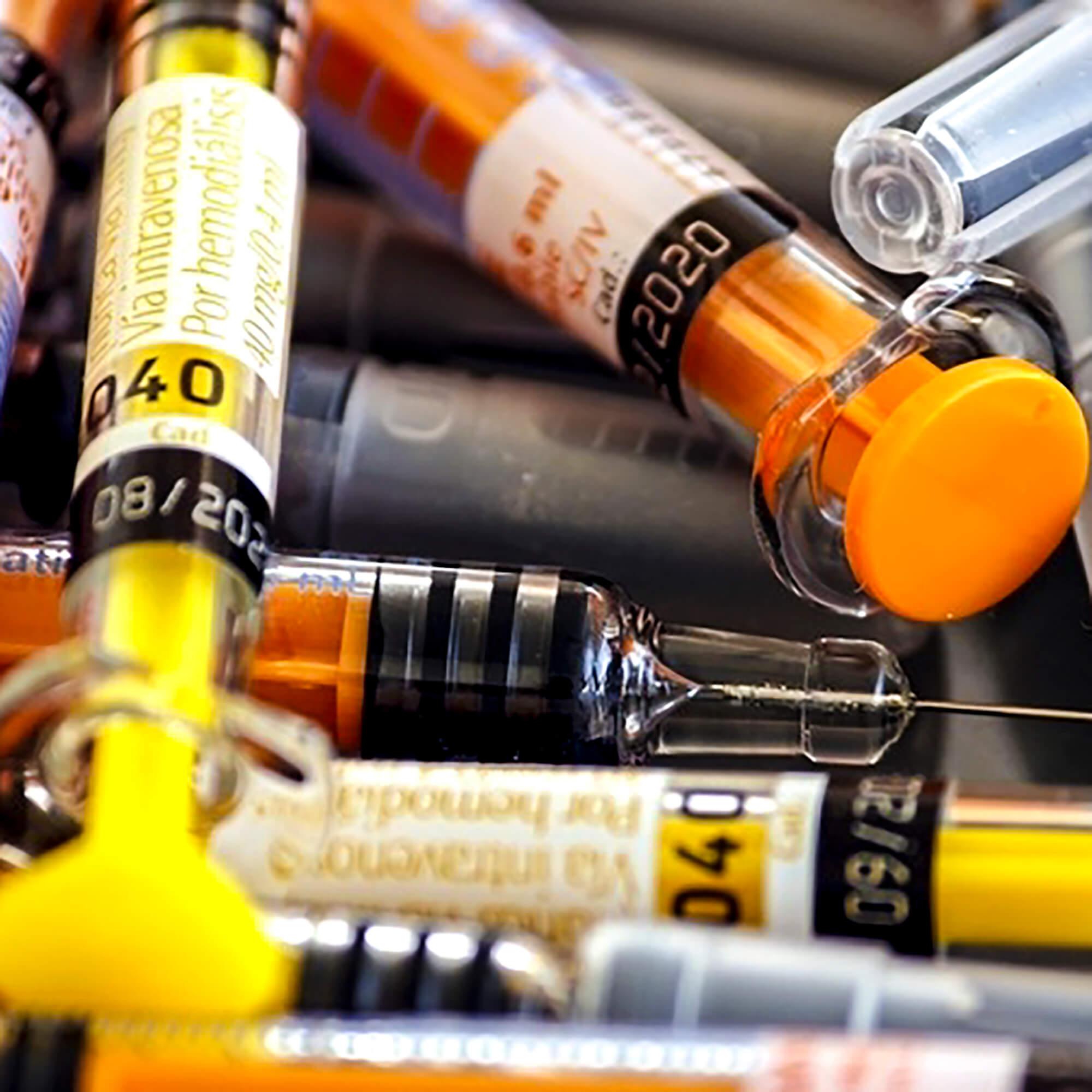 Medical syringes
