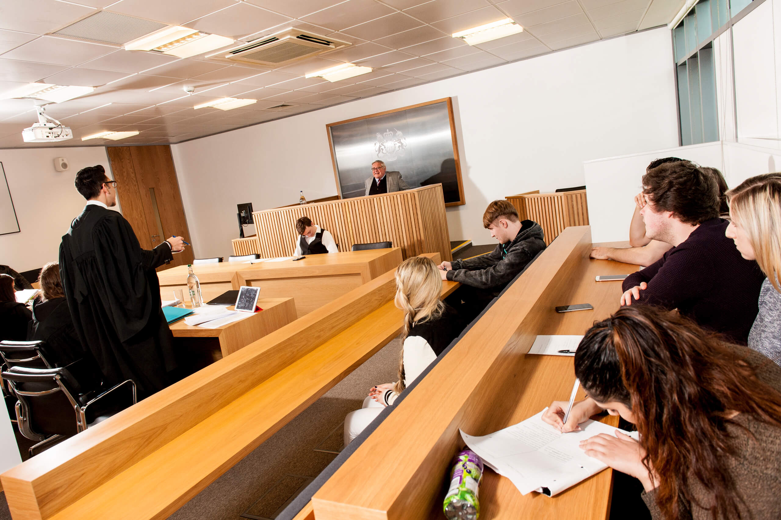 law court image