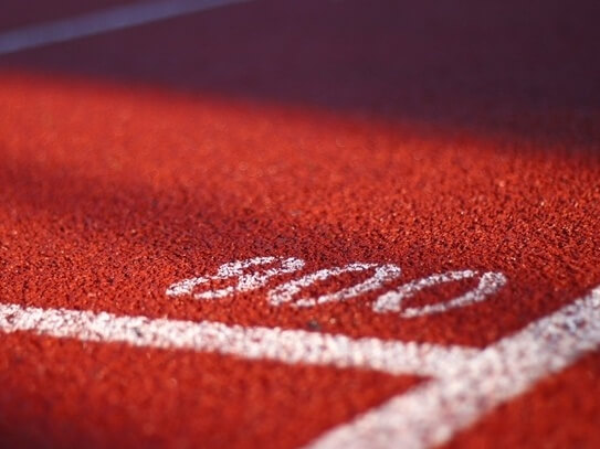 red running track with 800